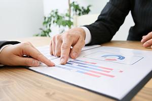 融資を確実に受けられるような事業計画書の作成を支援します。金融機関等と連携した支援をします。